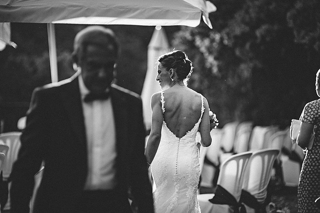fotografía boda focalfija en finca Ronda, María despues de las felicitaciones